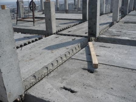 Дом ул.Юлиуса г.Казани Общий вид перекрытия до бетонирования монолитной части ригелей