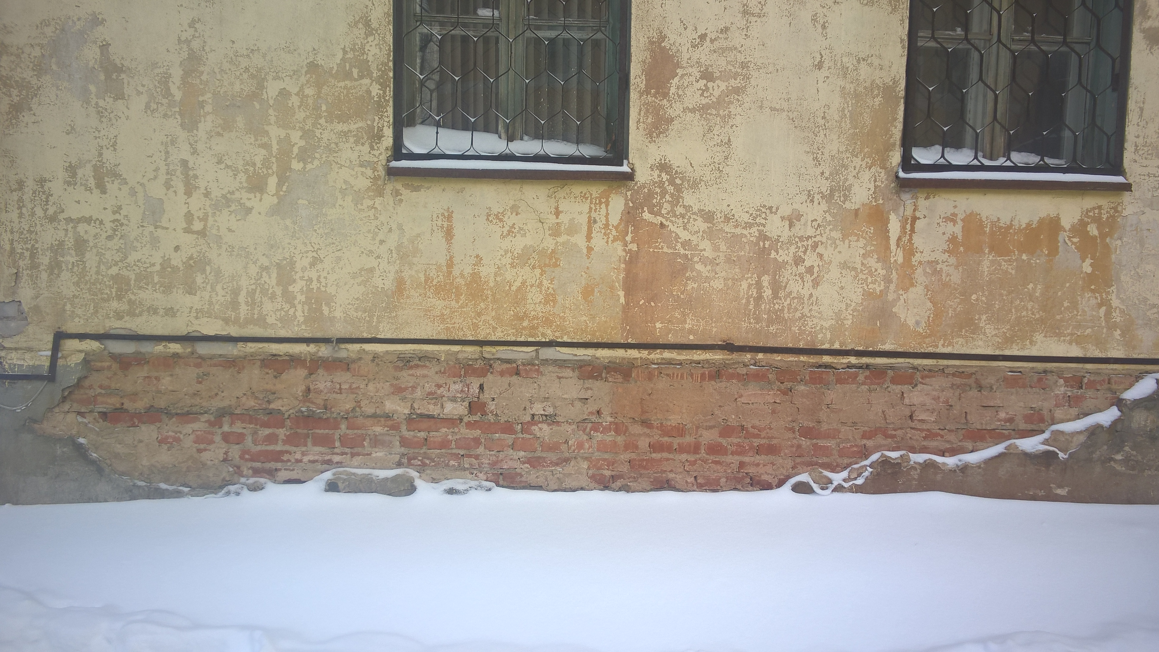 Разрушение здания через отмостку